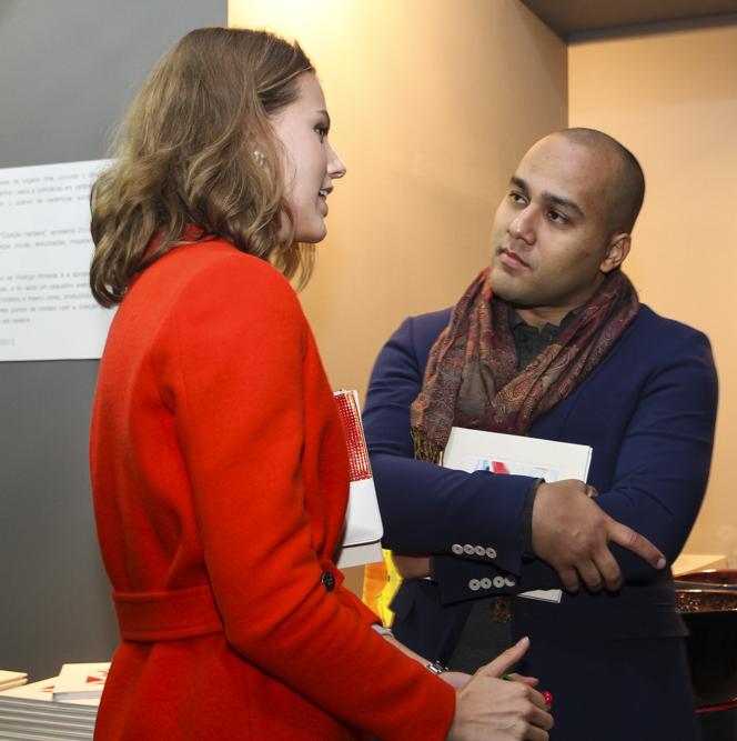Johanna Stein Birman que assinou o desenho gráfico do catálogo e Rodrigo Almeida, o autor da Coleção Herbário
