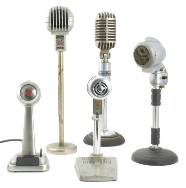 microfones dos anos 1940 - coleção Gilberto Yen